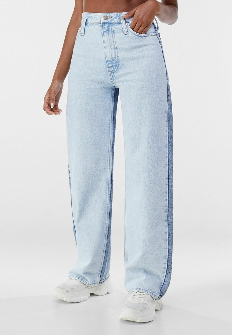 Bershka - Flared jeans - light blue