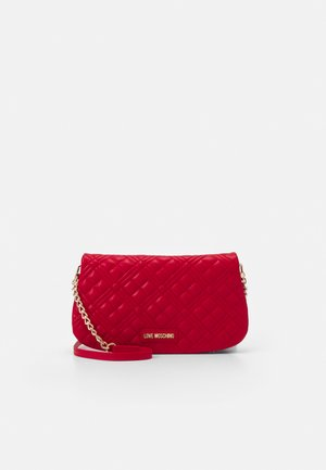 QUILTED CHAIN LOGO FLAP - Schoudertas - rosso