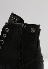 Sneaky Steve - KINGDOM - Lace-up ankle boots - black - 5
