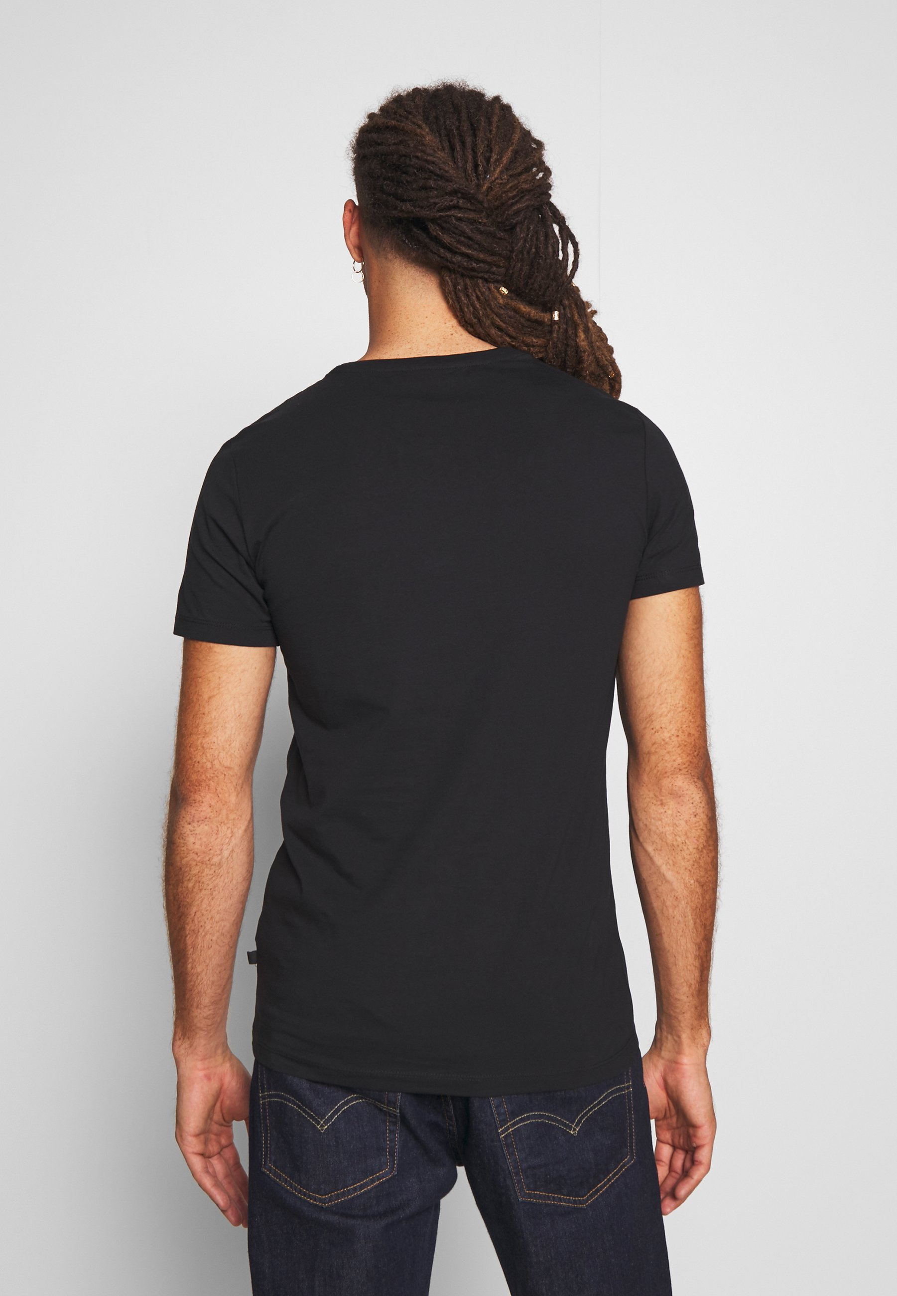 Casual Friday Basic T-shirt - black fnneu