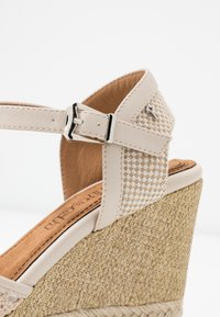 Refresh - High heels - beige - 2