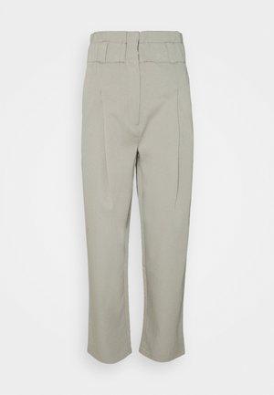 DANA PANTS - Trousers - grau