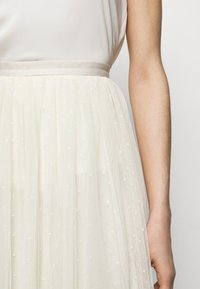 Needle & Thread - KISSES MIDI SKIRT EXCLUSIVE - A-Linien-Rock - champagne - 3