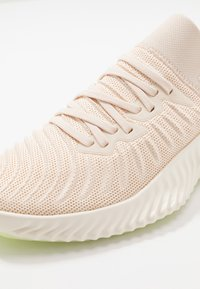 adidas Performance - ALPHABOUNCE TRAINER  - Sportovní boty - core white/glow green - 5