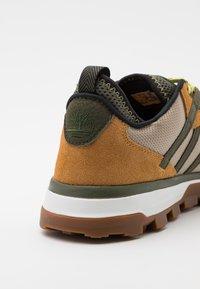 Timberland - TREELINE MOUNTAIN RUNNER - Sneakers - wheat - 5