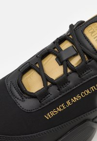 Versace Jeans Couture - GRAVITY - Trainers - nero/oro - 5