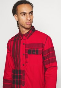 The North Face - CAMPSHIRE - Fleecová bunda - red - 3