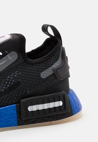 adidas Originals - NMD_R1 SPEEDLINES BOOST SHOES - Trainers - core black/solar red - 5