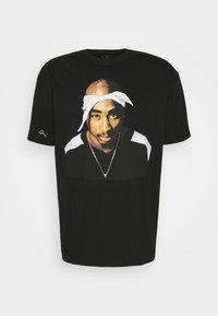 Chi Modu - PAC BANDANA - Print T-shirt - black - 4