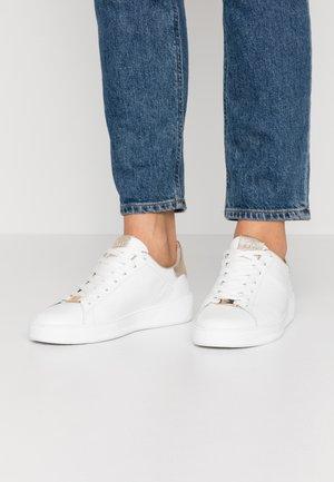 Sneakers laag - weiß/platin