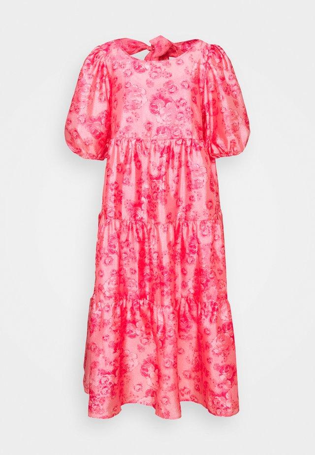 AKIACRAS DRESS - Vapaa-ajan mekko - pink
