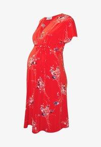 Balloon - NURSING WRAPP DRESS FLOWER PRINT - Denní šaty - red - 4