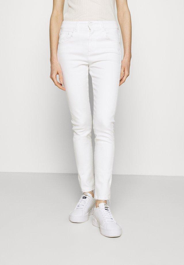 CELIA - Skinny džíny - rinse