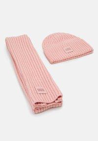 UGG - CHUNKY SET - Scarf - light pink - 0