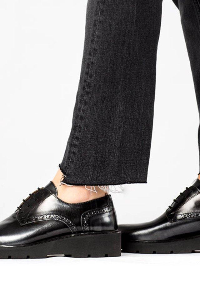 NOLIA - Chaussures à lacets - silver