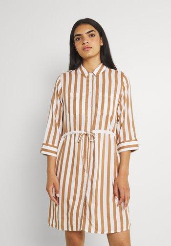 ONLTAMARI DRESS - Vestido camisero - cloud dancer/beige