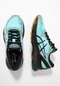 ASICS - GEL-NIMBUS 21 WINTERIZED - Zapatillas de running neutras - ice mint/black - 1