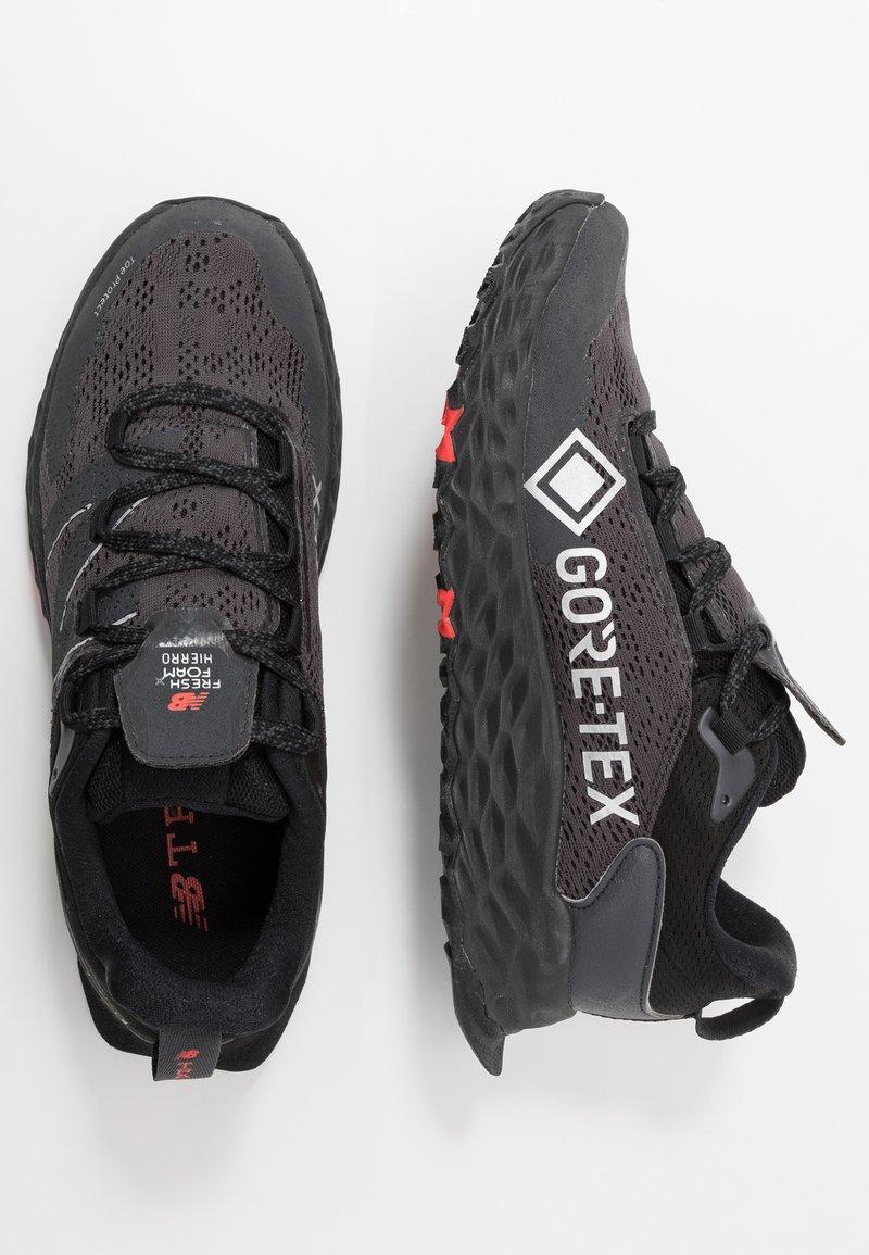 dentro Estoy orgulloso perjudicar  New Balance FRESH FOAM HIERRO GORE-TEX - Zapatillas de trail running -  black/negro - Zalando.es