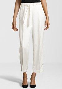 Cinque - HOSE CISOFIA - Trousers - offwhite - 0