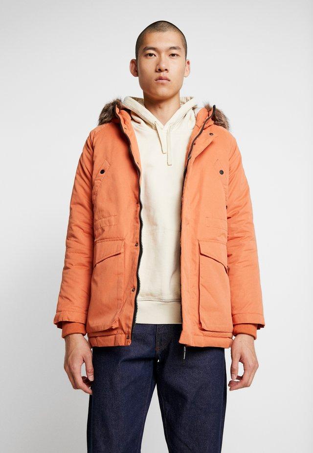 ALTITUDE - Płaszcz zimowy - burnt orange
