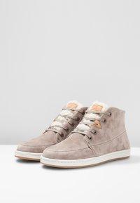 HUB - SUBWAY - Sneakers hoog - dark taupe/bone - 4