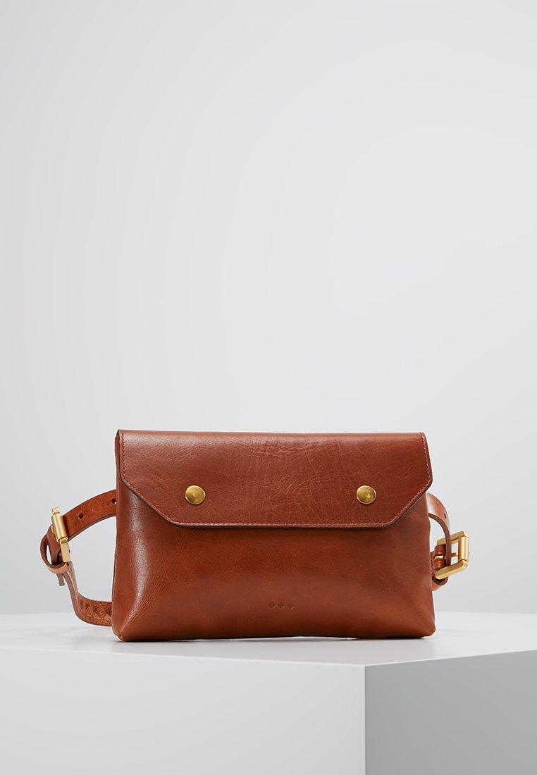 Royal RepubliQ - DARTH BUM BAG - Bum bag - cognac