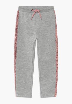 KIDS SEQUIN SIDE STRIPE - Teplákové kalhoty - grey