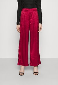 Never Fully Dressed - RED VOGUE TROUSER - Trousers - red - 0