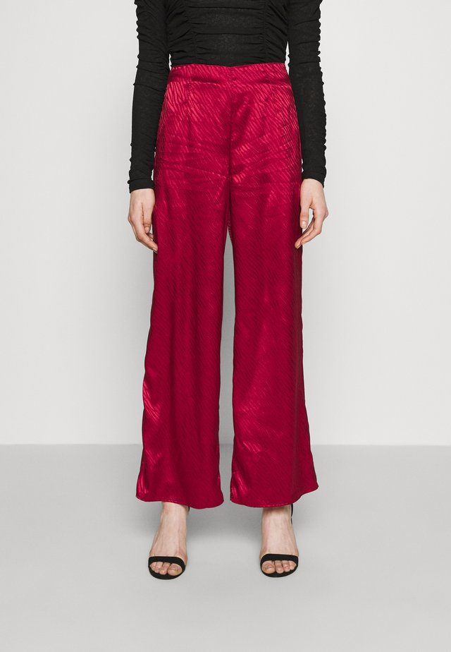 RED VOGUE TROUSER - Kalhoty - red