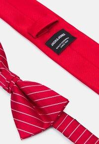 Jack & Jones - JACSTRIPY NECKTIE SET - Tie - red bud - 5