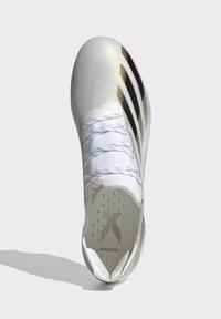 adidas Performance - X GHOSTED.1 FOOTBALL BOOTS FIRM GROUND - Fodboldstøvler m/ faste knobber - ftwwht/cblack/metgol - 4