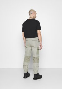 Mennace - HARDWARE TROUSERS - Bojówki - grey - 2