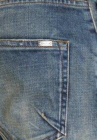 Tigha - BILLY THE KID DESTROYED - Slim fit jeans - vintage mid blue - 5