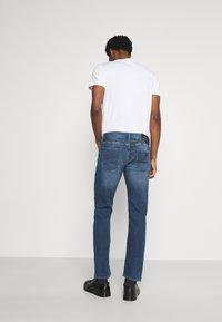 Armani Exchange - Slim fit jeans - indigo denim - 2