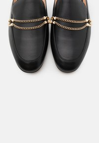 Coach - SAWYER SLIDE LOAFER - Klapki - black - 6