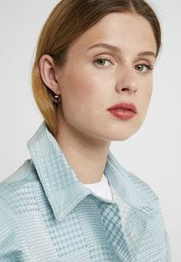 Swarovski - BELLA  DROP - Earrings - gold-coloured/lilac - 1