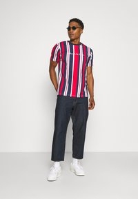 Kings Will Dream - NESTON STRIPE TEE - Print T-shirt - navy/red/white - 1