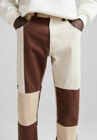 Bershka - Jeans straight leg - brown - 3