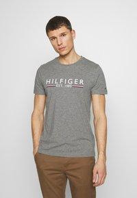 Tommy Hilfiger - TEE - T-shirt imprimé - grey - 0
