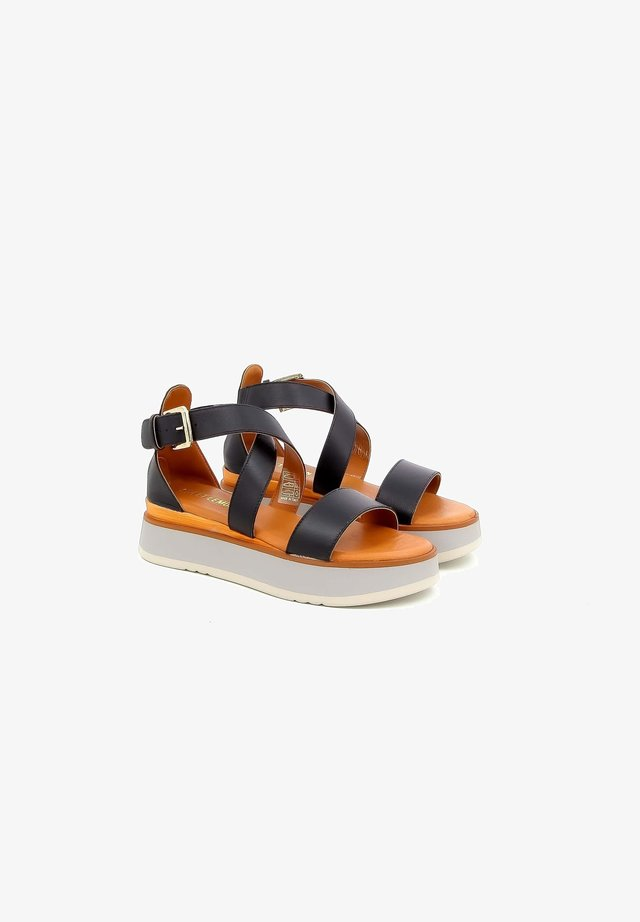 LOUAM - Sandalen met plateauzool - black