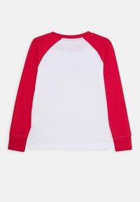 Nike Sportswear - AIR RAGLAN - Camiseta de manga larga - white/university red - 1