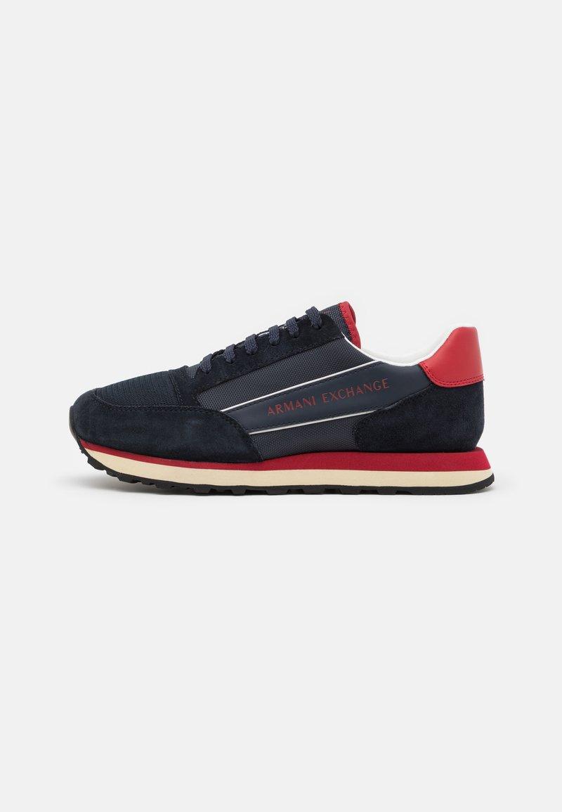Armani Exchange - OSAKA  - Sneakers basse - navy/fire brick/offwhite