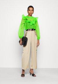 Who What Wear - RUFFLE YOKE - Blouse - jasmine green - 1