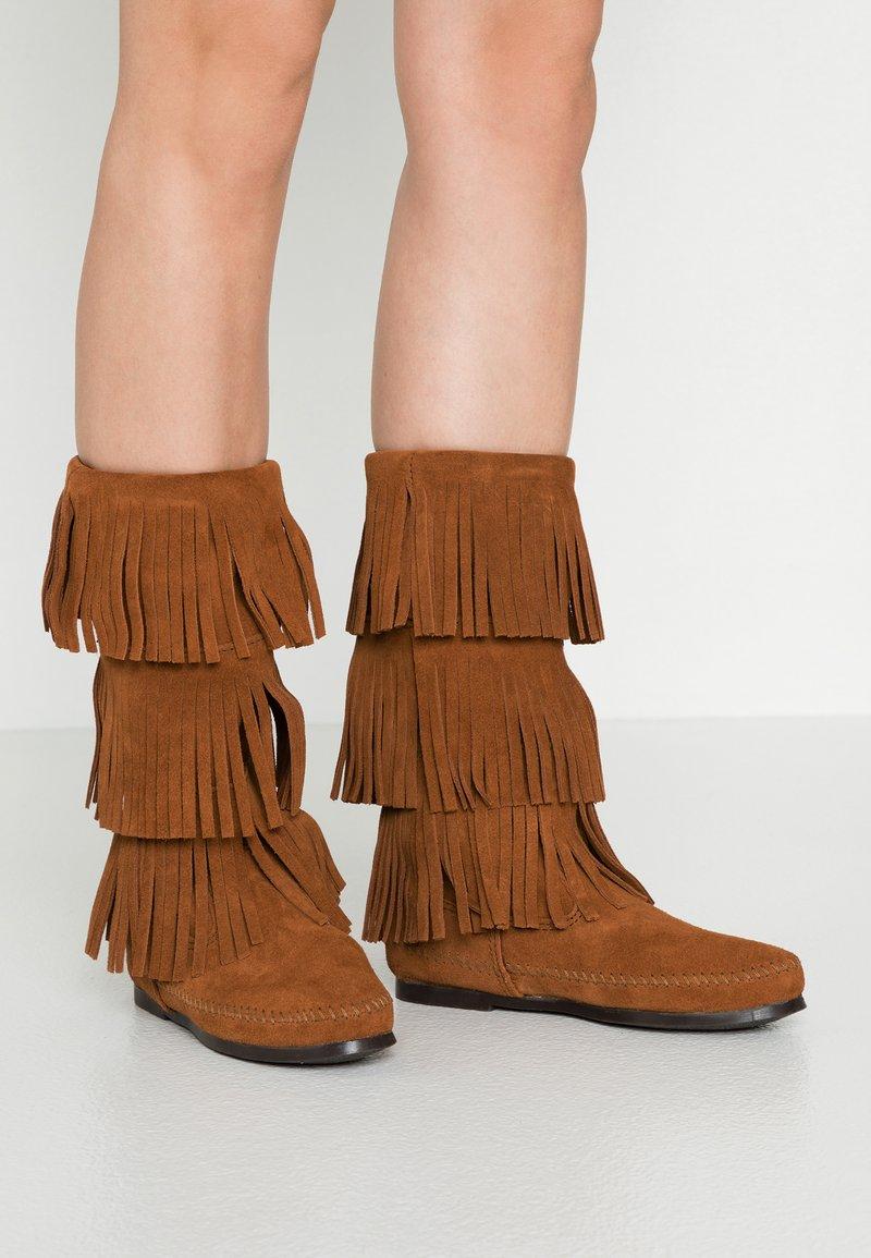 Minnetonka - 3 LAYER FRINGE - Cowboy/Biker boots - brown