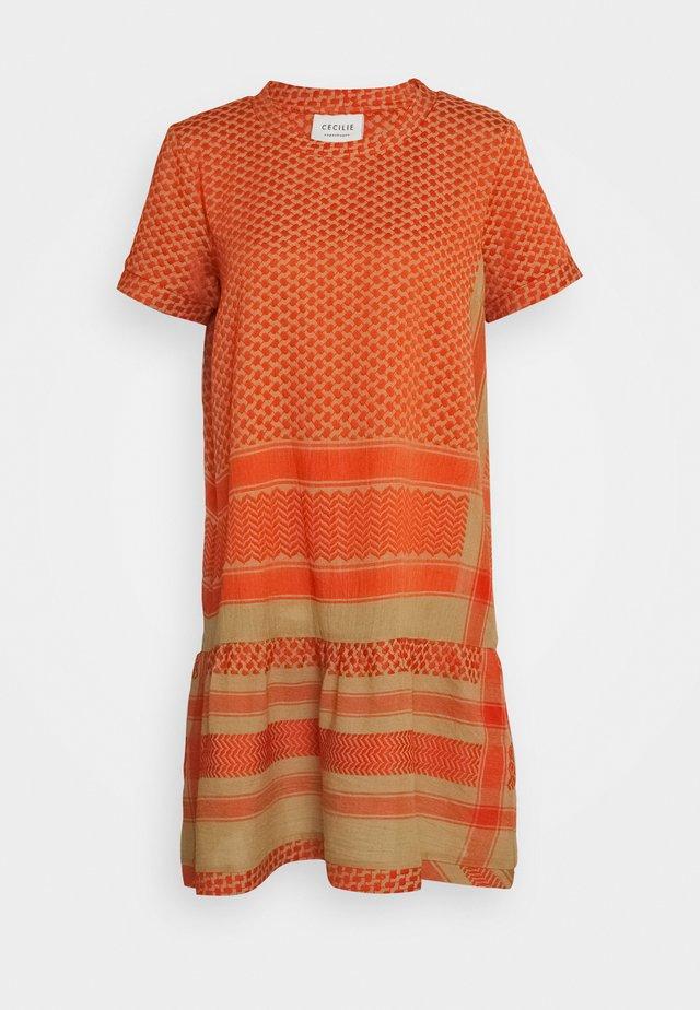 DRESS - Robe d'été - orange