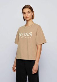 BOSS - EVINA ACTIVE - T-shirt con stampa - light brown - 0