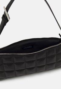 Monki - DUNDEE BAG - Handbag - black - 2