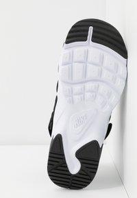 Nike Sportswear - CANYON SLIDE - Sandalias - black/white - 7