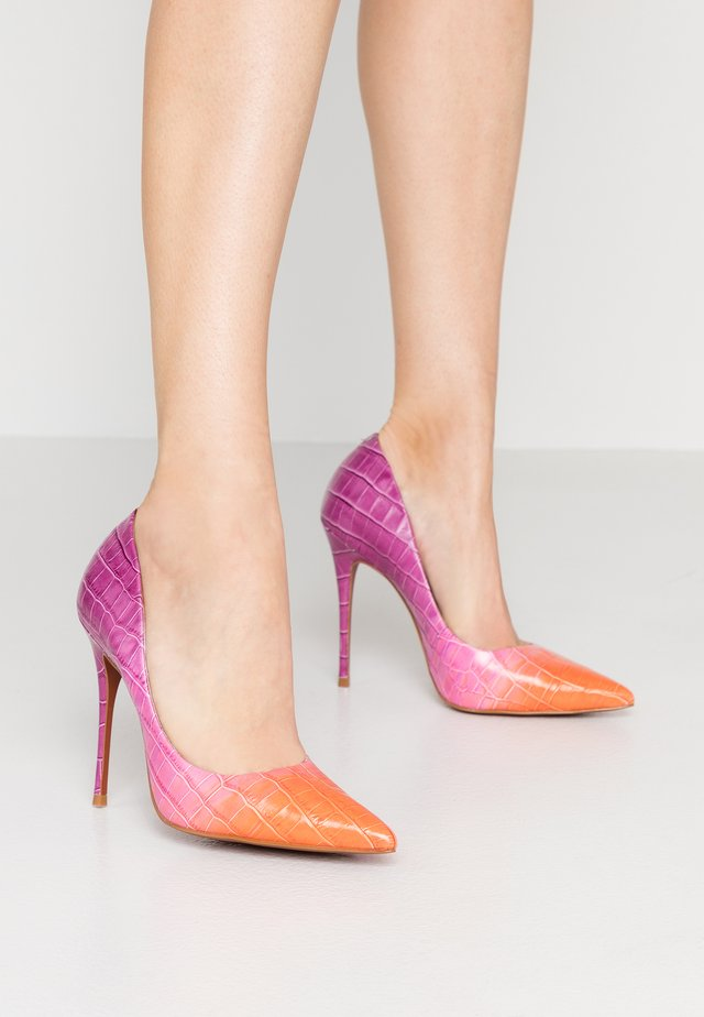 TEEVA - Escarpins à talons hauts - orange/purple