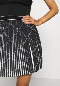 Guess - PAGE  - Pleated skirt - black - 4